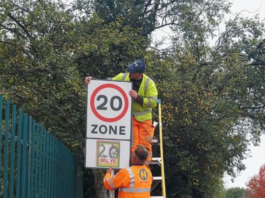 The new signage being installed | Hillingdon Today
